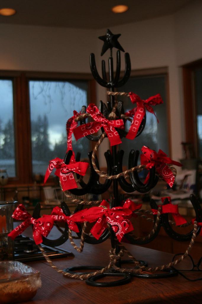 horseshoe christmas tree by sageowl horseshoe christmas tree by sageowl - Horseshoe Christmas Tree