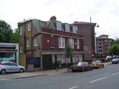 The beehive the beehive 230 roman road bethnal green for The beehive rome