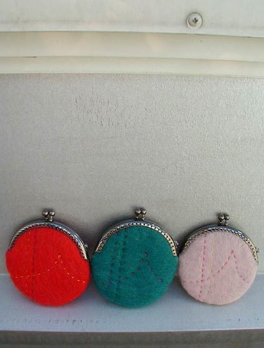 felted, embroidered coin purses - file under inspiration | by guessica