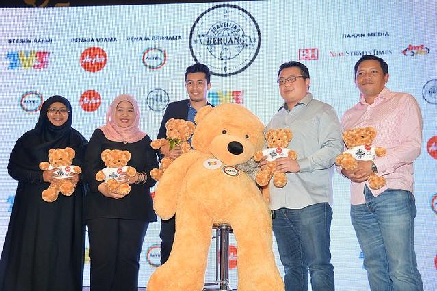 Dari Kiri Pn Farahida (Makna),  Cik Sherina Nordin  (Tv3),  Ungku Ismail Aziz, Encik Spencer (Airasia) Dan  Encik Rizwal (Altel)