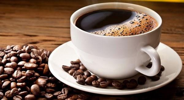 Người bệnh tăng huyết áp nên hạn chế caffein