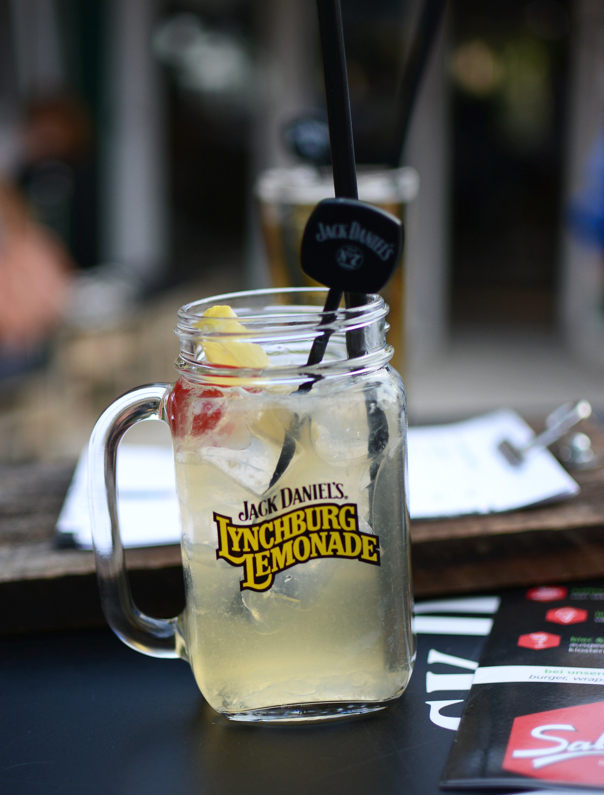 Lynchburg-Lemonade-JackDanielsPopUpBar