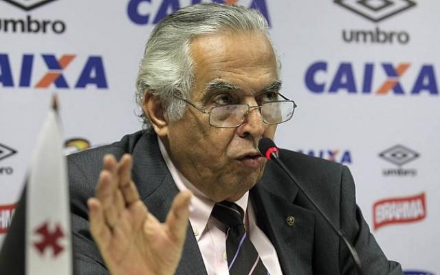 Eurico Miranda defende realiza��o do cl�ssico em S�o Janu�rio e critica presidente do Flamengo