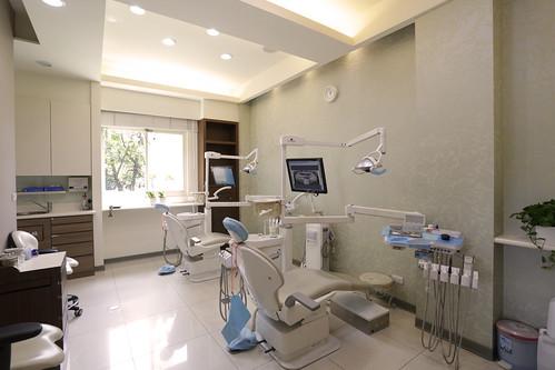 台中太平區牙醫推薦_張朝欽牙醫診所_張朝欽牙醫師_3D植牙_牙周病_牙齒美白_牙齒矯正 (4)