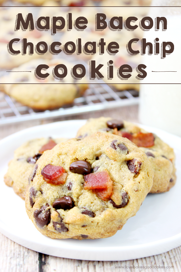 Take your chocolate chip cookies to the next level with these Maple Bacon Chocolate Chip Cookies! #BaconMonth2015