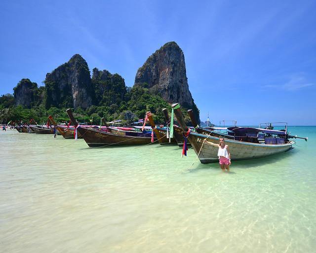 Isla de Railay y sus preciosas barcas de madera y colores