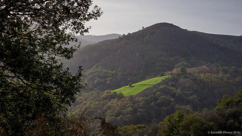 El monte Aiuse visto desde la subida al monte Azkar