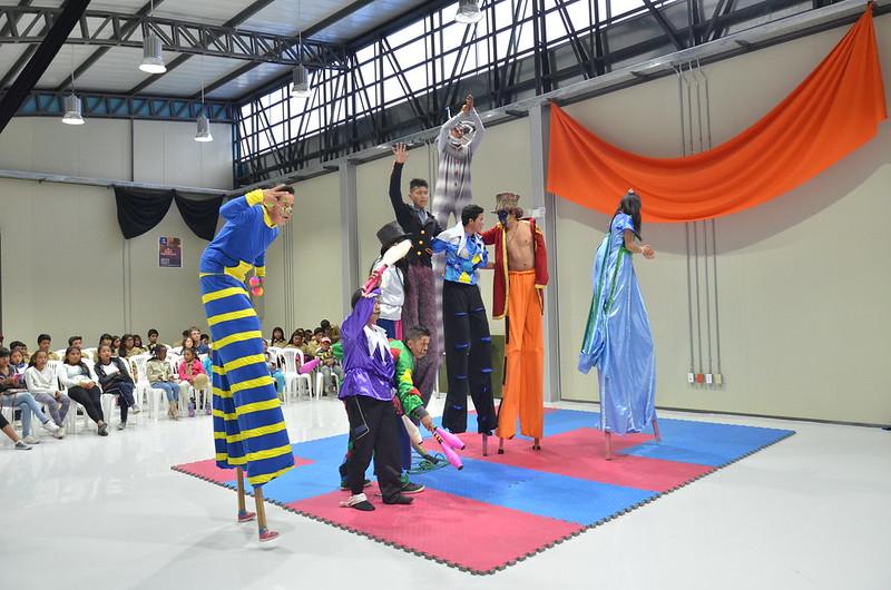 Primera Variete de Circo en Yachay