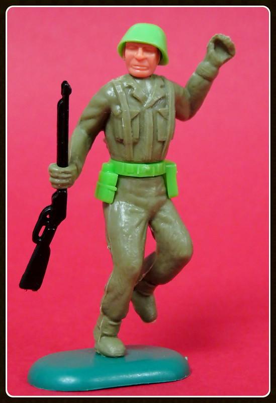 Toy soldiers, cowboys, indians, space men etc 32760947951_59578177aa_c