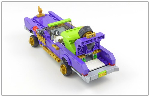 The LEGO Batman Movie 70906 The Joker Notorious Lowrider 09