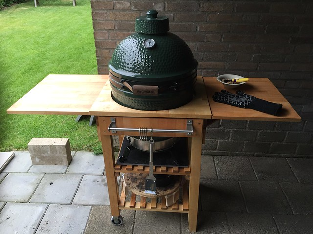 ikea table transformed into a bge medium nest big green egg egghead forum the ultimate. Black Bedroom Furniture Sets. Home Design Ideas