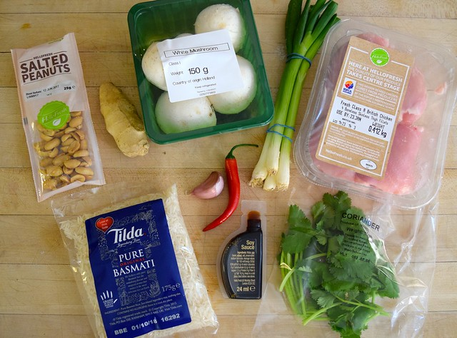 Cooking from the HelloFresh Recipe Box | www.rachelphipps.com @rachelphipps