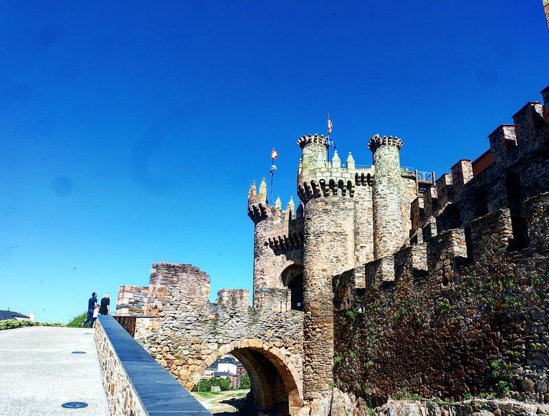 Entrada al castillo Templario de Ponferrada
