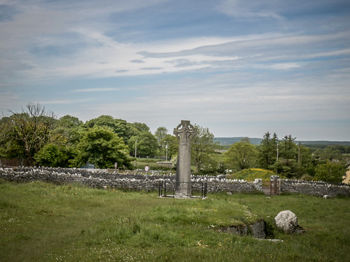 Kilfenora Cathedral and High Crosses-015