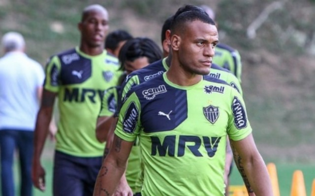 Decisivo, exemplo e 12� jogador: as facetas do contestado Patric no Galo