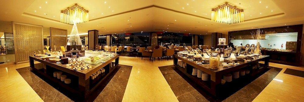 6 HClarity-Dining-Official-idhotels