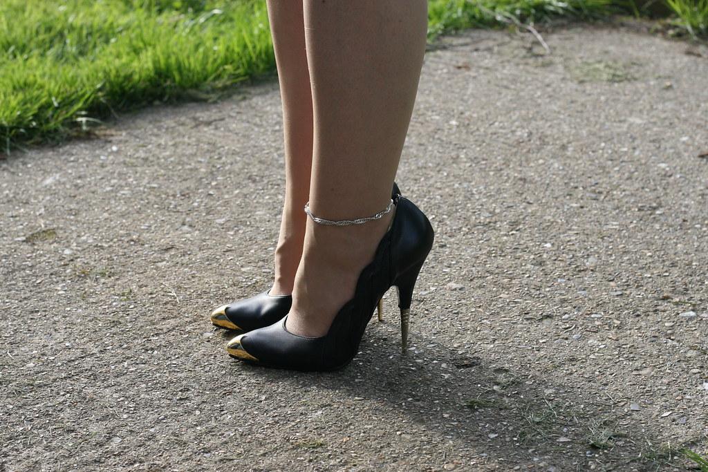 Rush Hour Express Black Metal Spike Classic Stiletto Shoe ...