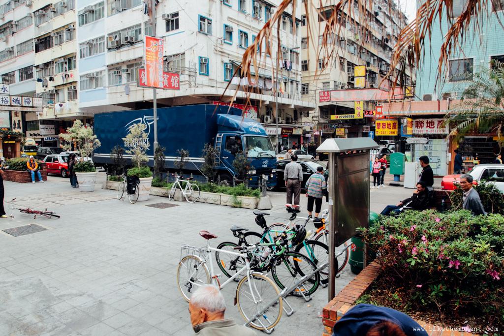 無標題  《假如讓我泊下去2 九龍中西篇》﹣香港市區單車位的幻想影集 18505867679 1036efb98c o