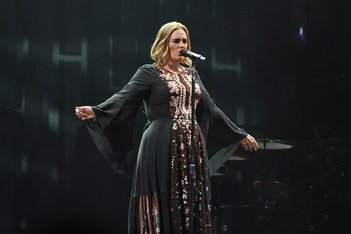adele-performs-at-glastonbury-festival-at-worthy-farm-in-glastonbury-06-25-2016_17