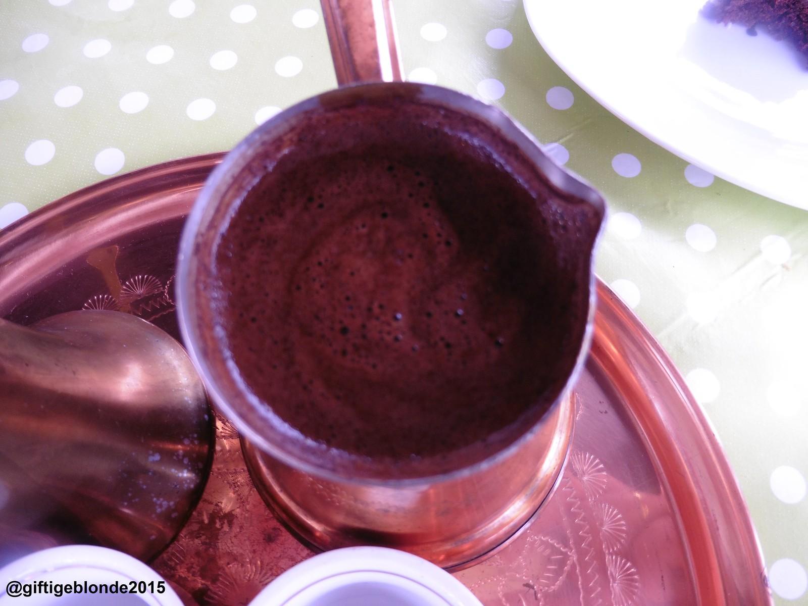 Türkischer Kaffee in bosnischem Geschirr, geköchtelt von Gaby