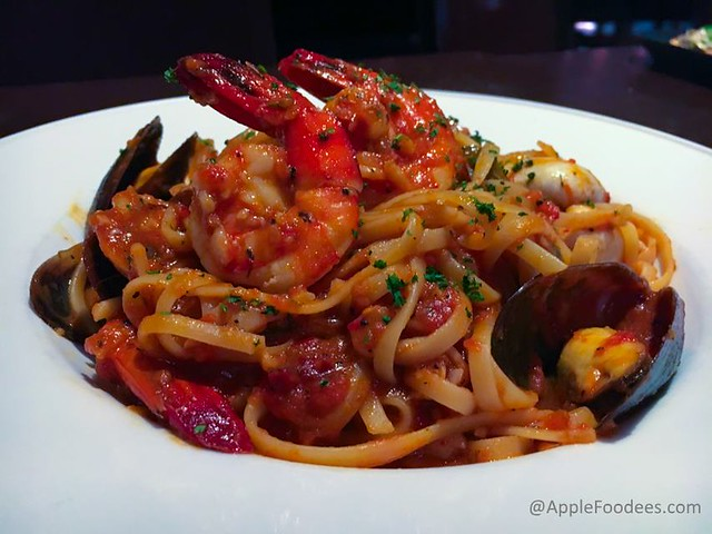 Italiannies Classic Roman Seafood Carbonara