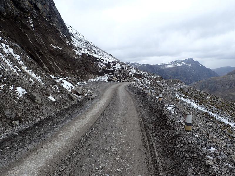 Nieve cerca de la mina de Raura.