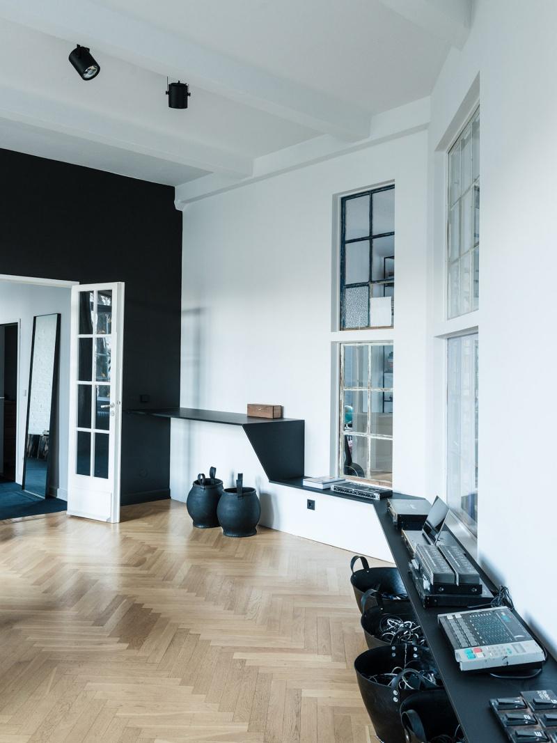 Minimalist Berlin Loft