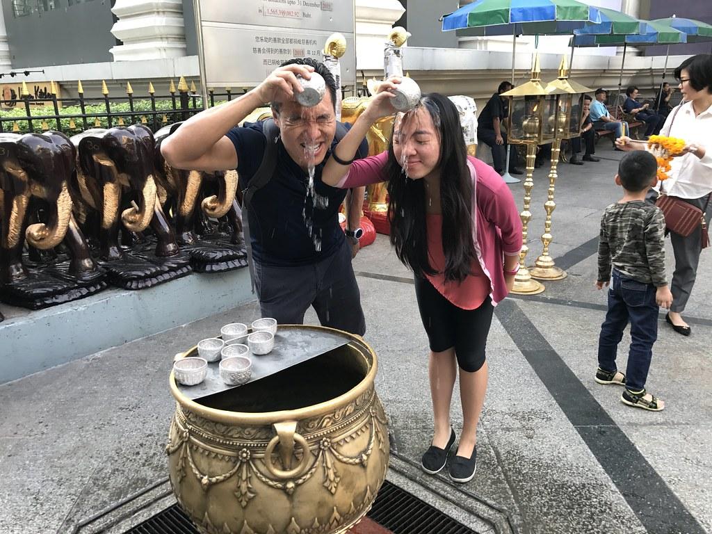 http://memoirofadoctor.blogspot.sg/2017/01/bangkok-for-cny-2017_30.html