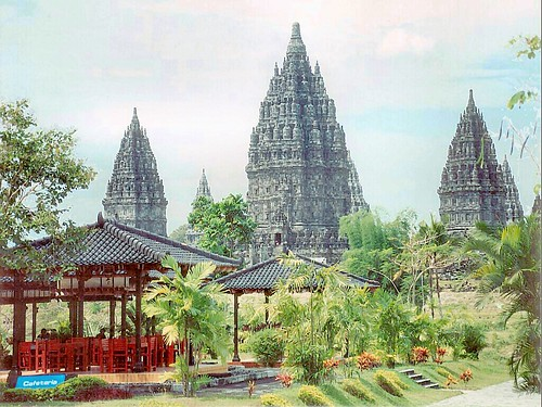 Prambanan coffee house views | by yewenyi