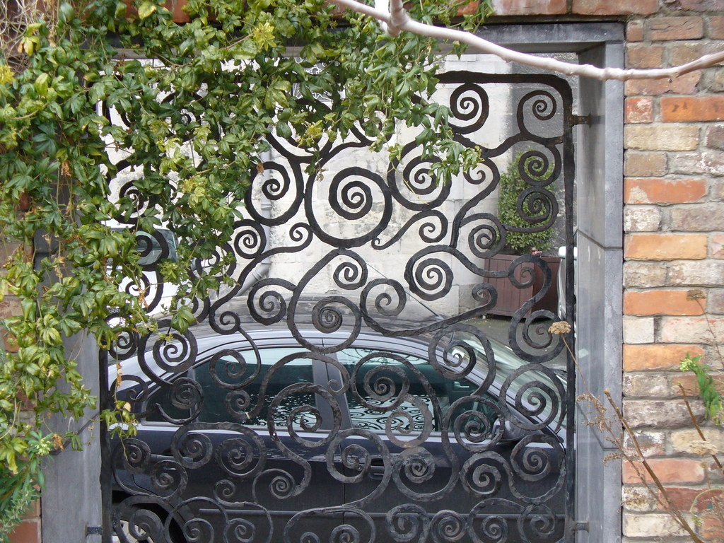 Wrought Iron Wall Decor With Candles