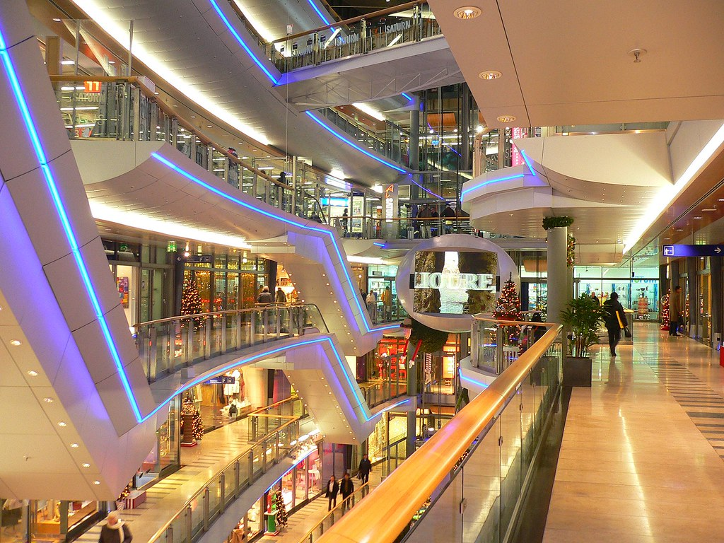 d sseldorf futuristic shopping architecture shopping area flickr. Black Bedroom Furniture Sets. Home Design Ideas