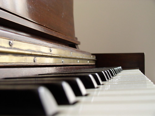 the history of the piano essay History of the jazz piano this essay history of the jazz piano and other 64,000+ term papers, college essay examples and free essays are available now on reviewessayscom.