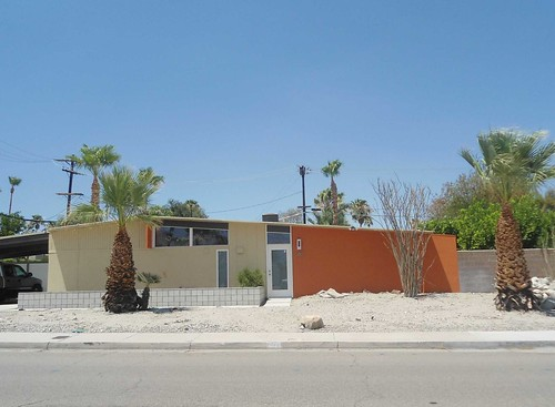 Mid century modern 1950 39 s alexander homes in palm springs for New mid century modern homes palm springs