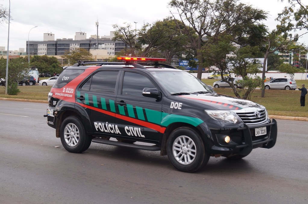 Toyota Hilux Pcdf D 0220 Pol 237 Cia Civil Do Df Divis 227 O