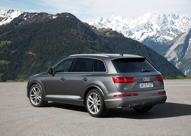 Audi Q7 2016 1