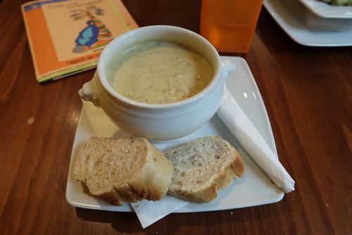 Schweizer Käsesuppe mit Hackfleisch (im Kneipen-Cafe-Restaurant Balou in Osnabrück)