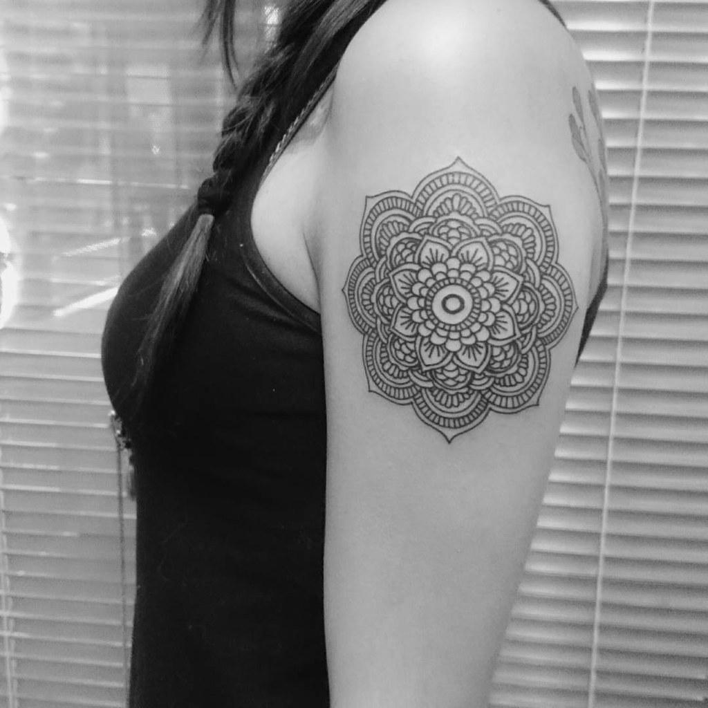Tatuaje Mandala En Brazo Este Y Muchos Trabajos Mas En K Flickr