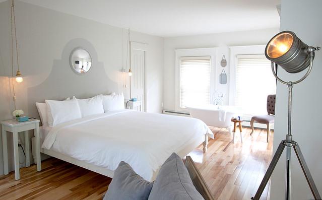 ebenhouse_hotelroomoverall