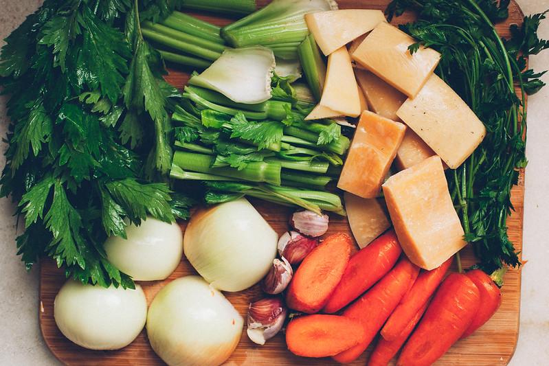 Caldo de Legumes e Parmesão