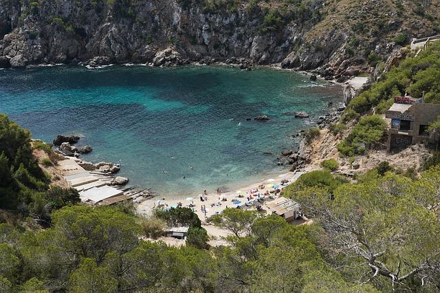 Las mejores playas y calas de Ibiza 3