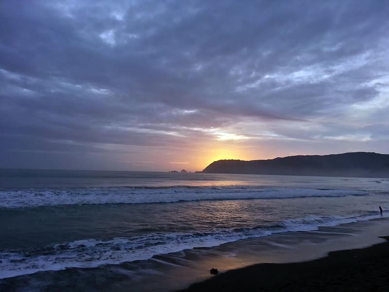 Sunrise Sabang Beach Baler | www.wearejuanderers.com