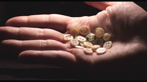 映画『真珠のボタン』より