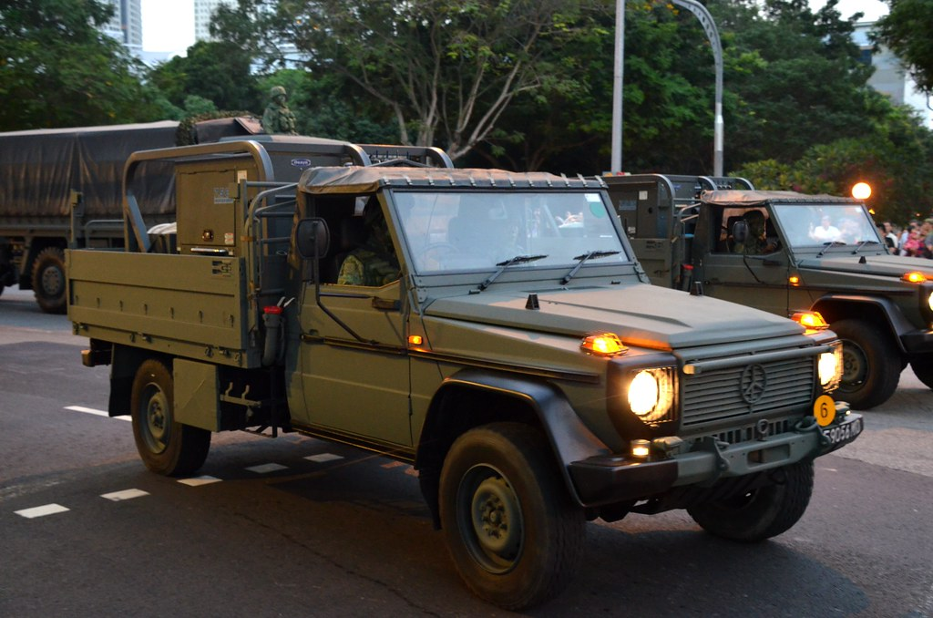 Singapore army mercedes benz 290 gd jeep with water purifi for Mercedes benz singapore