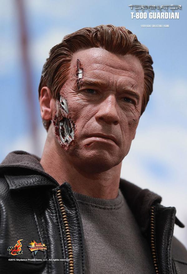 Hot _Toys_Terminator_Guardian_04