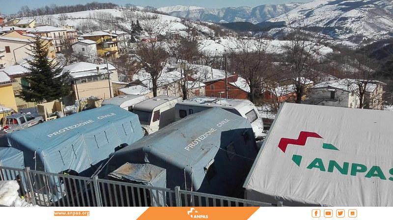 Da questa mattina è in funzione il campo Anpas a Cesaproba, frazione di Montereale (AQ) come punto di accoglienza per la comunità.