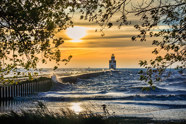 Lighthouse, Kewaunee, Sunrise, Waves, Lake Michigan