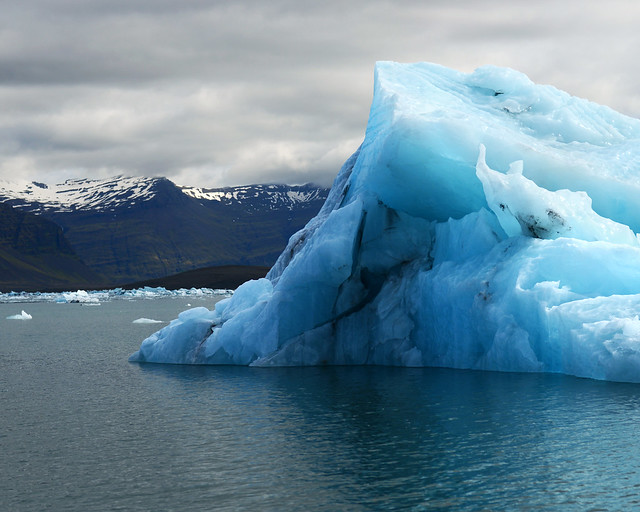 Gigantesco iceberg que vimos en el interior de la laguna de Jökulsárlón