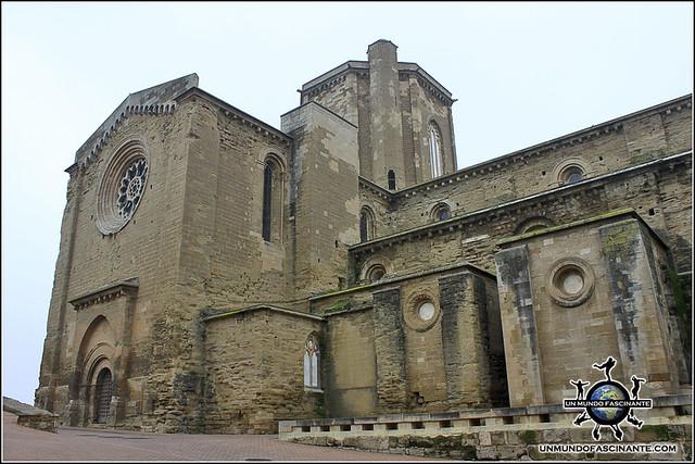 Puerta de Berengario, Catedral de Lleida. Cataluña. España.