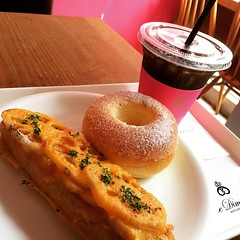 lotus root tartine & doughnut @ le dimanche #lunch #ledimanche #kobe #hyogo #tartine #doughnut #icedcoffee #japan