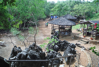 Coron - Maquinit hot springs huts